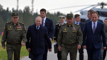 Zeci de persoane din anturajul lui Vladimir Putin au COVID-19. Nu este vorba despre unu sau doi, ci de cateva zeci de oameni