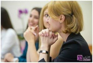 Cum se scrie corect si cum se adreseaza: doamna director sau doamna directoare