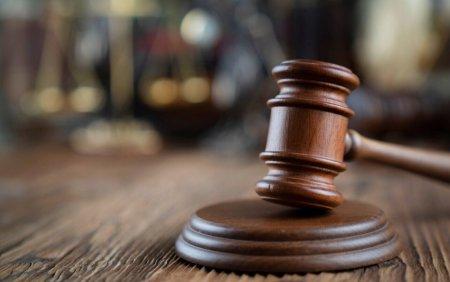 Fostul adjunct al DGIA, condamnat la inchisoare cu suspendare dupa ce a sustras 180.000 de dolari din banii institutiei