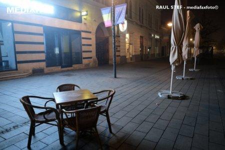 Restrictii in Cluj-<span style='background:#EDF514'>NAPOCA</span>, incepand de vineri. Incidenta a sarit de 2 la mie