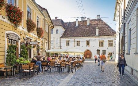 Restrictii in municipiul Cluj-<span style='background:#EDF514'>NAPOCA</span> si in trei comune, unde incidenta COVID-19 a depasit pragul de 2 la mie