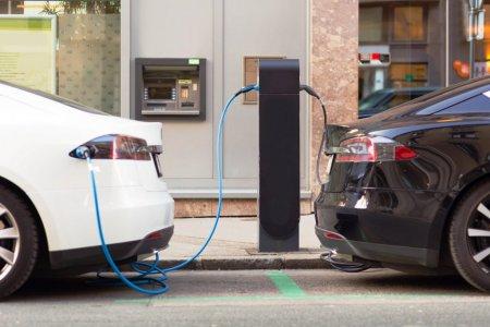 Masina hibrid sau masina electrica? De ce sa tii cont cand faci alegerea