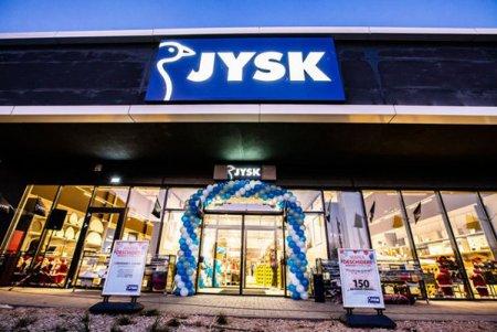 Retailerul danez JYSK vrea sa inaugureze 15 magazine noi in urmatoarele 12 luni. JYSK Romania ainregistrat in anulfinanciar 2019-2020 ocifra de afaceri de 612,5 mil. lei, in crestere cu 5,3%,si un profit bru<span style='background:#EDF514'>TINA</span>inte de taxe de 81,9 mil. lei, cu8,4% mai mare decatin anul precedent