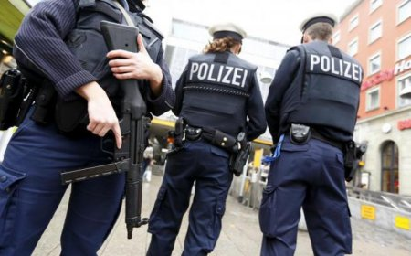 Patru islamisti acuzati ca intentionau sa comita un atentat la o sinagoga, arestati in Germania