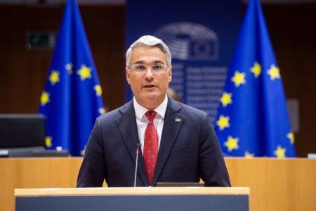 ZF Live. Dragos Pislaru, <span style='background:#EDF514'>EUROPARLAMENTAR</span>: Uniunea Europeana vorbeste despre reindustrializare, dar Romania nu are un nicio directie industriala si nici personal care sa inteleaga conceptul de lant valoric