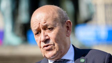 Franta spumega dupa ce SUA au lansat pactul AUKUS. O decizie de tip Trump si un cutit infipt in spate de americani