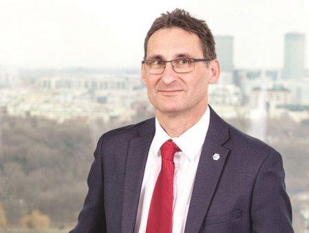 Tivadar Runtag CEO-ul Chimcomplex <span style='background:#EDF514'>BUCUR</span>esti, companie care a inregistrat o crestere spectaculoasa la Bursa, a anuntat ca va parasi pozitia de director executiv si va prelua alte responsabilitati in cadrul grupului condus de Stevan Vuza