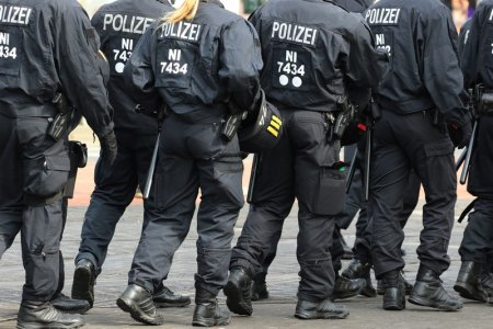 Alerta la o sinagoga din Germania, dupa ce patru islamisti, intre care un baiat de 16 ani, au amenintat ca vor detona o bomba