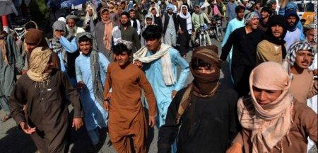 Proteste la Kandahar: Circa 3.500 de afgani risca sa ramana fara case in urma unui ordin al talibanilor