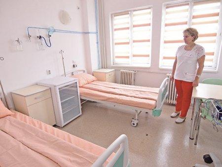 Dezastrul din sanatate: pacientii sunt fortati sa plece in alte judete pentru spitalizare. <span style='background:#EDF514'>PATU</span>l simplu, fara dotari, nu reprezinta act medical