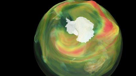Gaura din stratul de ozon de la <span style='background:#EDF514'>POLUL</span> Sud a depasit suprafata Antarcticii