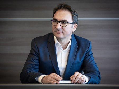 Emisiunea ZF Deschiderea de Astazi. Iulian Nedea, CEO Simtel: Am preluat mentenanta pentru toate cele 44 de magazine unde Dedeman are construite centrale fotovoltaice. Compania se extinde catre Cluj, Timisoara, dar si in Moldova, Bulgaria sau Ucraina