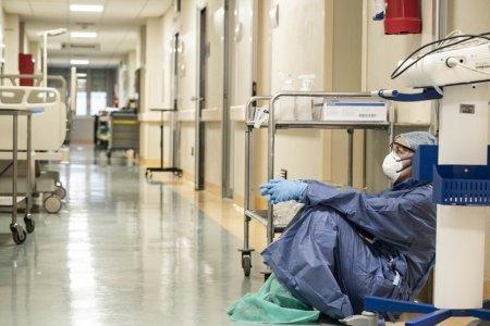 3.000 de angajati din sistemul sanitar din Franta au fost suspendati pentru ca au refuzat sa se vaccineze anti-Covid