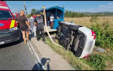 Accident in lant in Arges. O femeie de 35 de ani, la spital, iar alte sase persoane au avut nevoie de ingrijiri medicale