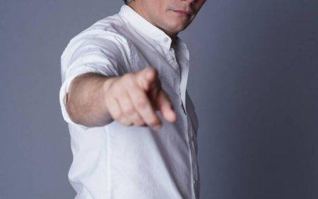 Marius Manole: Cand ma intalnescu cu tine, tensiunea e foarte mare. <span style='background:#EDF514'>ANDREE</span>a Esca, prima invitata a noului sezon