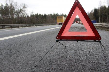 Accident grav pe A4. Un TIR a cazut in gol de la 30 de metri