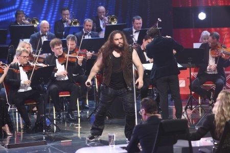 Trooper si orchestra Metropolitana fac azi show la X Factor. Un concurent o uimeste pe Delia: