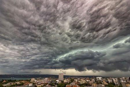 Prognoza meteorologilor pentru Capitala: Vreme calda pe parcursul zilei, averse la noapte