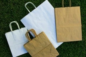Ordonanta anti plastic determina schimbari – ambalajele biodegradabile sunt varianta