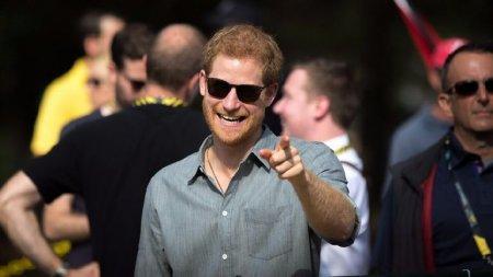 Este James Hewitt adevaratul tata al printului Harry? Asem<span style='background:#EDF514'>ANAR</span>ea dintre ei este izbitoare