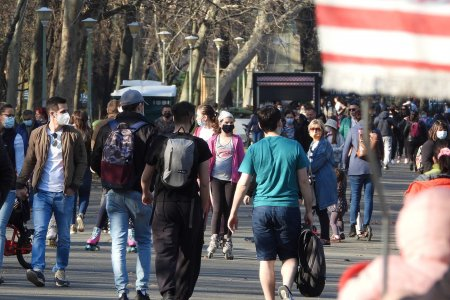 <span style='background:#EDF514'>BREAKING</span> NEWS Rata de infectare in Bucuresti a depasit 2 la mie