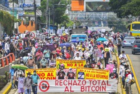 Protestele continua in El Salvador: O parte din populatia tarii doreste eliminarea Bitcoin ca mijloc legal de plata