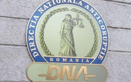 Marius Moise, comisar sef in cadrul IGPR, trimis in judecata de DNA pentru <span style='background:#EDF514'>LUARE</span> de mita