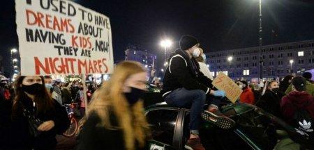 Polonia, somata de <span style='background:#EDF514'>CONSILIUL EUROPEI</span> sa schimbe definitia violului