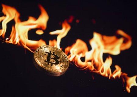 Bitcoin, scadere pe fondul temerilor cu privire la mediu. Solana, una dintre cele mai populare criptomonede din ultima <span style='background:#EDF514'>PERIOADA</span>, sufera un declin de 14%