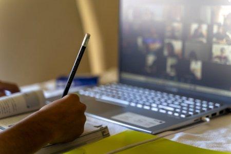 Ce scoli trec in online? Iata cum se va invata in fiecare localitate din tara saptamana viitoare/ Incidenta COVID-19