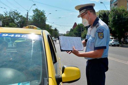 Migrant prins de politisti mergand pe jos pe banda de urgenta a Autostrazii Bucuresti – Pitesti