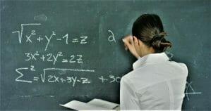 Cum se scrie corect si cum se adreseaza: doamna profesor sau doamna profesoara