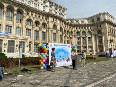 Dorothee Hasnas, consilier pe patrimoniu si curator din partea Ordinului Arhitectilor din Romania: Anul acesta, Street Delivery ajunge chiar si in cartierele <span style='background:#EDF514'>DORMITOR</span>. Vrem sa redam orasul pietonilor si vom avea activitati din Drumul Taberei pana la Timpuri Noi, acces in curtea Senatului si tururi ghidate in interiorul acestuia