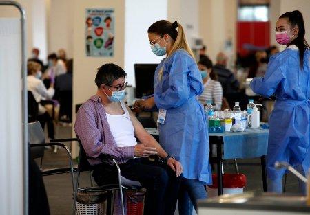 Slovenia impune vaccinarea obligatorie pentru toti angajatii din sectorul public