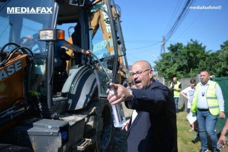 Primarul Piedone isi cearta angajatii aflati in subordine la lasarea intunericului. Ce l-a nemultumit pe primarul sectorului 5