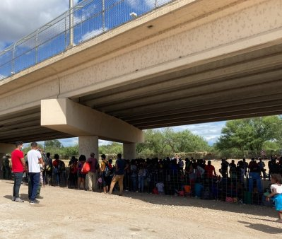 Situatie incredibila sub un pod, la frontiera cu Mexic