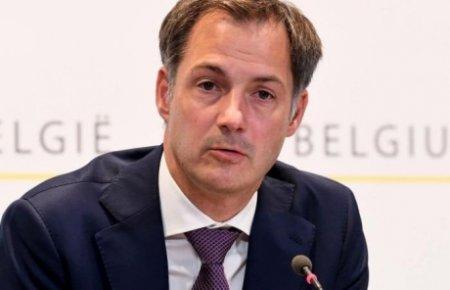 VIDEO| Premierul Belgiei tipa la belgienii nevaccinati: 'Este inacceptabil! A pune in pe<span style='background:#EDF514'>RICO</span>l alte persoane este un drept pe care nimeni nu il poate avea'