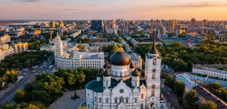 Calatorie pe firul rosu <span style='background:#EDF514'>ELECTORAL</span> al Rusiei, din nordul arctic pana in Cecenia: Cum a rezistat Putin la putere 20 de ani?