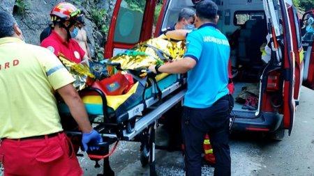 Un barbat beat a intrat cu ATV-ul intr-un stalp de beton din Sibiu, in toiul noptii, iar pasagerul a murit