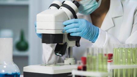 Studiu: Ce se intampla cand avem gripa si COVID-19 in acelasi timp
