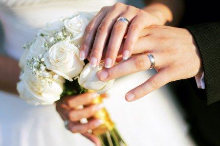 Nunta anului in Romania! O super vedeta a fost ceruta in casatorie: Am primit un trandafir si un inel de logodna