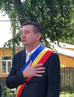 Un primar din judetul Vaslui s-a sinucis intr-o clinica privata din Alba