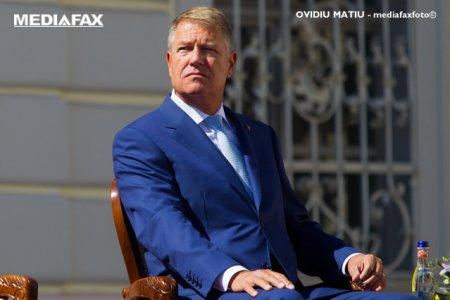 Iohannis, pledoarie pentru golf si pentru Duster la decernarea premiilor Cupei Paul <span style='background:#EDF514'>TOMI</span>ta
