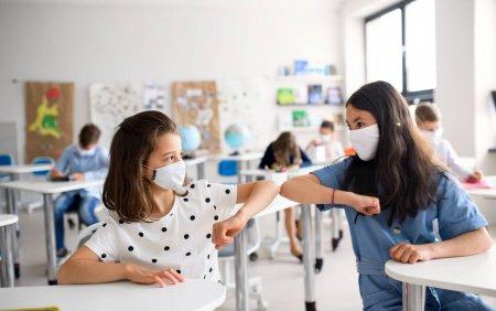 Șefa INSP: Nu e o realitate ca Delta infecteaza mai virulent copiii. Povestea cu distantarea intre elevi, o poveste