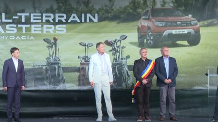 Iohannis, pe terenul de golf de la Pianu de Jos: Un sport deloc exclusivist