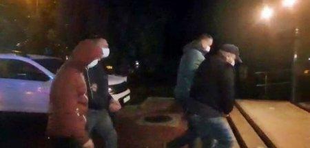 Cei patru invidivizi care au agresat doi jurnalisti si un activist de mediu, la Suceava, au fost pusi in libertate