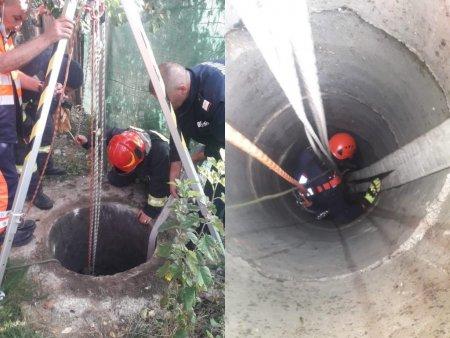Interventie contra-cronometru in Vaslui, dupa ce femeie a cazut intr-o fosa septica adanca de sase metri. Pompierii: Poate spune ca s-a nascut a doua oara