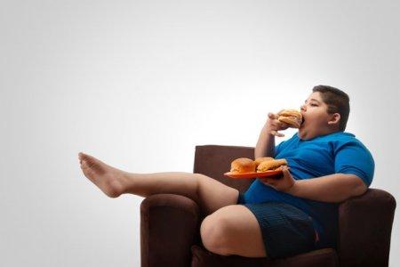STUDIU. Obezitatea in randul copiilor a crescut in timpul pandemiei de coronavirus
