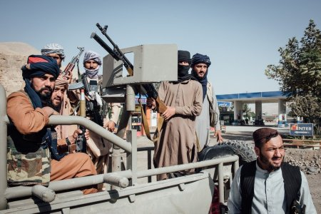 Va vom gasi oriunde va ascundeti!. Sute de persoane LGBTQ vor sa fuga din Afganistan de frica talibanilor