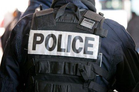 O masina a intrat intr-o terasa din orasul francez Fontainebleau. Șase persoane, ranite